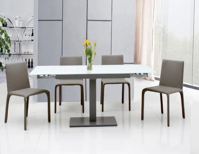 Tresit Extendable Dining Table
