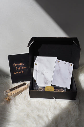 [ Your Life Gold ] Gift Box , Apartment - Wanderer Wanderer, Wanderer Wanderer  - 1