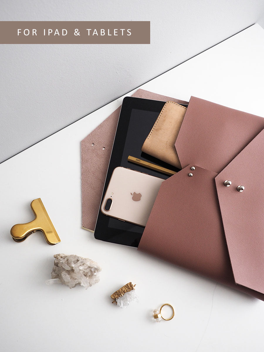 Wanderer Clutch for iPad (Wild Rose)