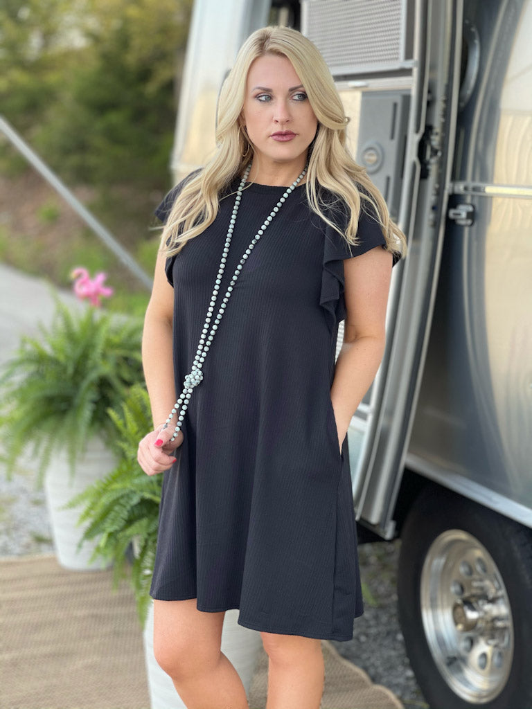 black ruffled sleeve dress D18