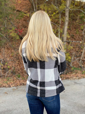 black and white plaid top H27