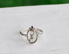 Oval Flower and Vine Ring, Sterling Silver