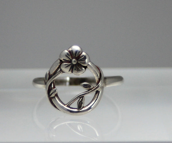 Round Flower and Vine Sterling Silver Ring