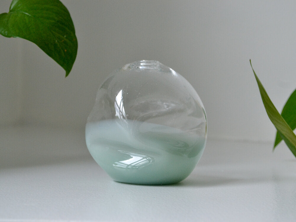 Load image into Gallery viewer, JADE SOFTIE BUD VASE
