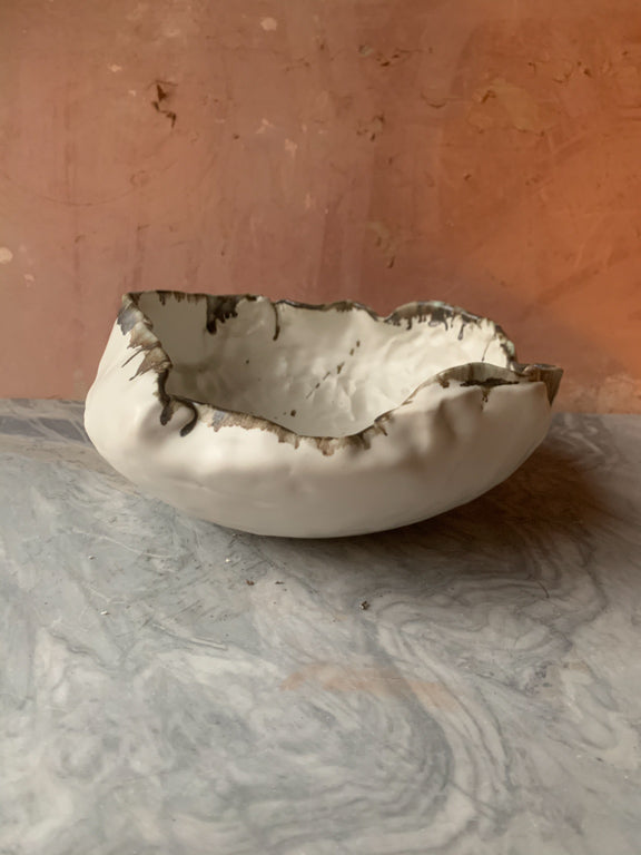 Load image into Gallery viewer, LARGE PORCELAIN WASP NEST BOWL