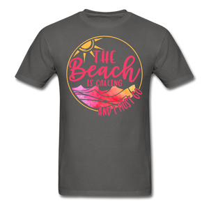 """The beach is calling and I must go"" Men's Tee Fruit of the Loom - charcoal"