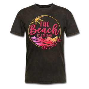 """The beach is calling and I must go"" Men's Tee Fruit of the Loom - mineral black"