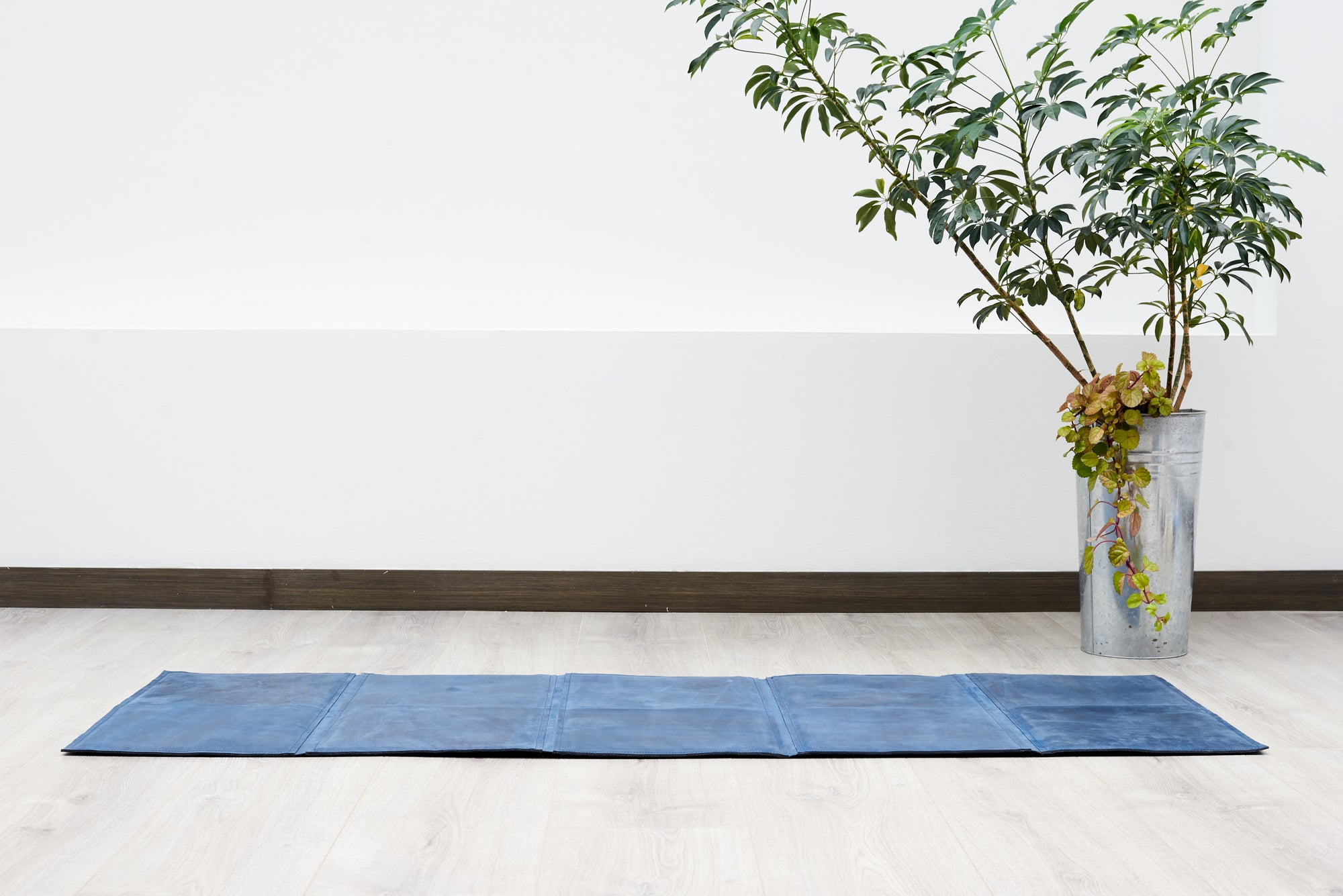 Exercise. Leather Yoga Mat Navy by Modoun