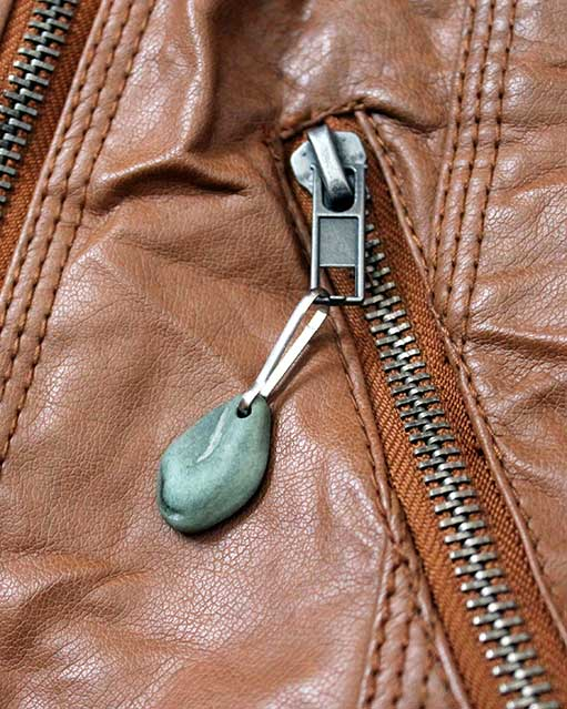 River Stone Zipper Pull