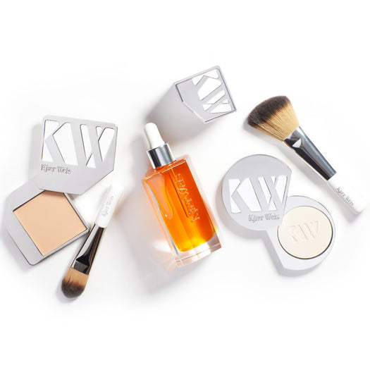 Kjaer Weis Cream Foundation Dainty