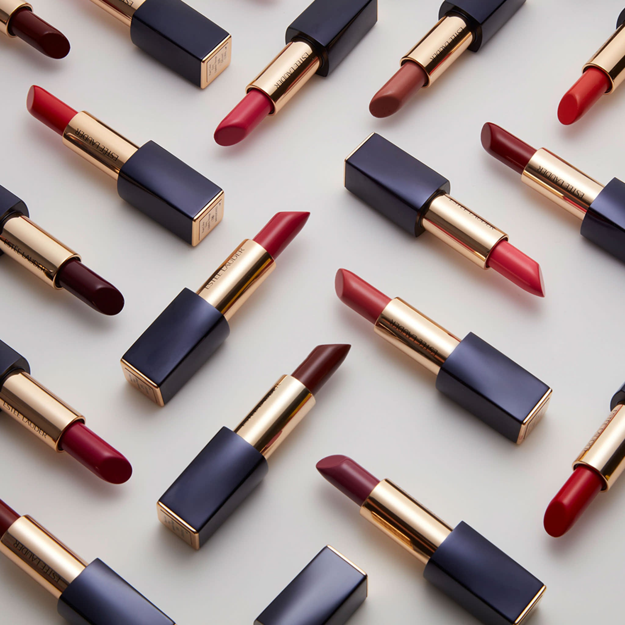Pure Color Envy Hi-Lustre Light Sculpting Lipstick