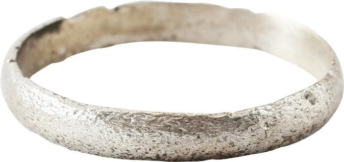 ANCIENT VIKING WEDDING RING C.850-1050 AD SIZE 8 ½
