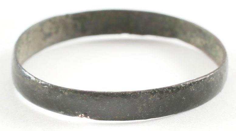 VIKING  WEDDING RING 850-1050 AD SIZE 7 1/2. - Fagan Arms