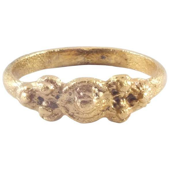 Italian Girls Ring 12Th-15Th Century - Product