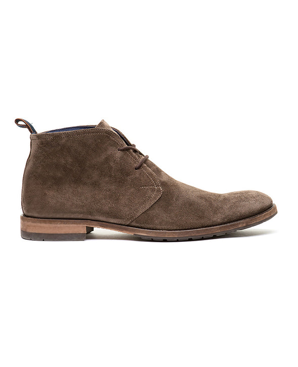 Rodd & Gunn Pebbly Hill Suede Chukka Boot in Taupe
