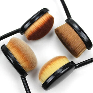 4 Model Make-up Brushes