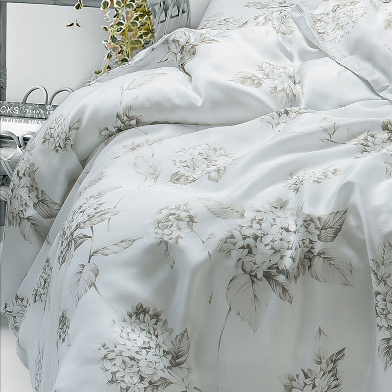 400 Thread Count Super King Size Bedsheet 2.74mtr. x 2.74 mtr. with 2 Pillow Covers