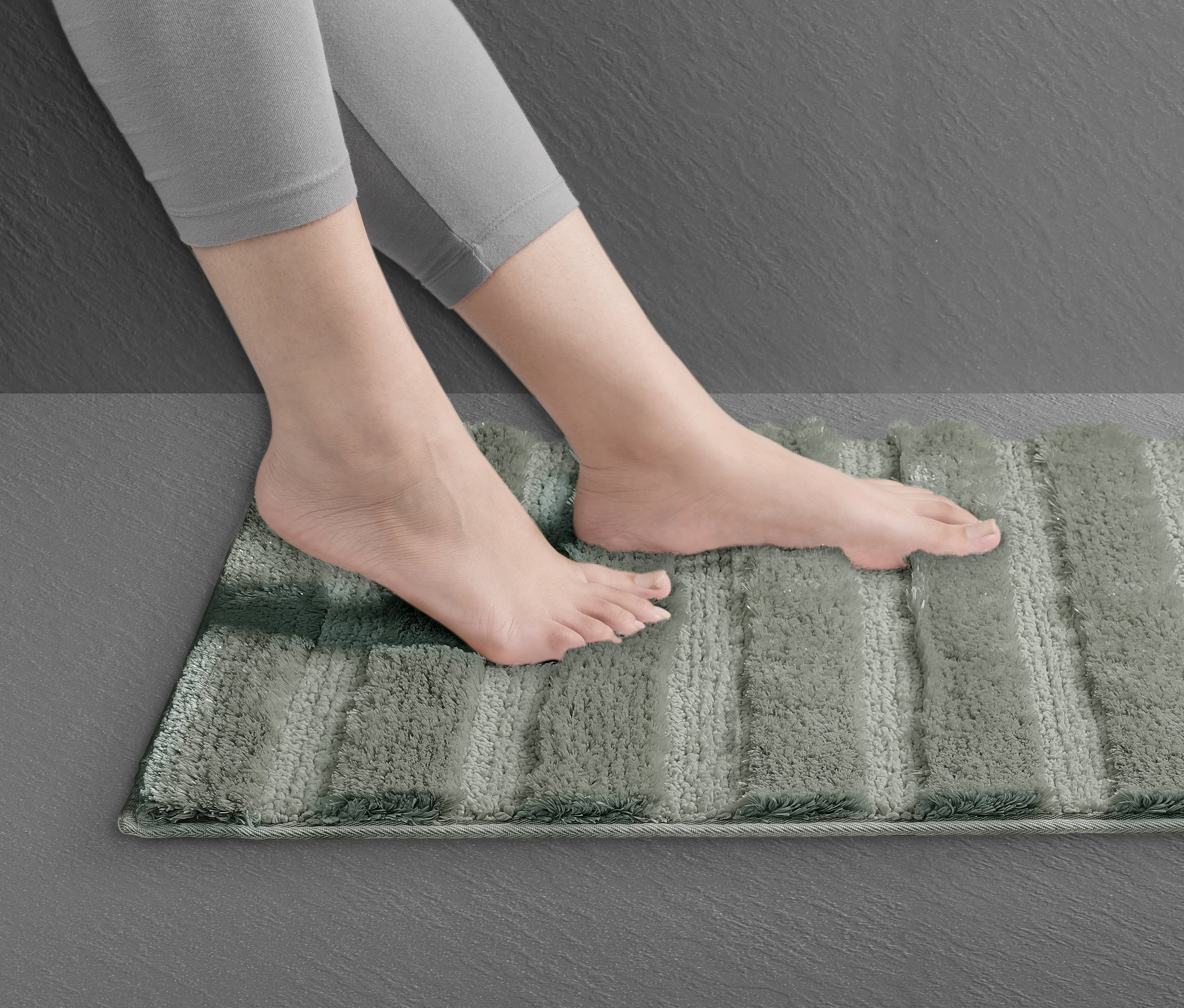 Ultra Absorbing New Age Micro Fibre Bathmat - grey