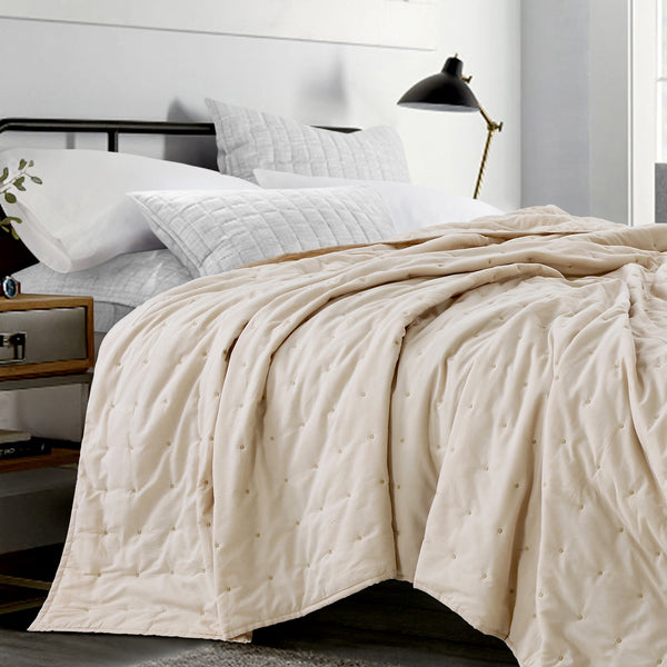 New York Quilt - Light Beige
