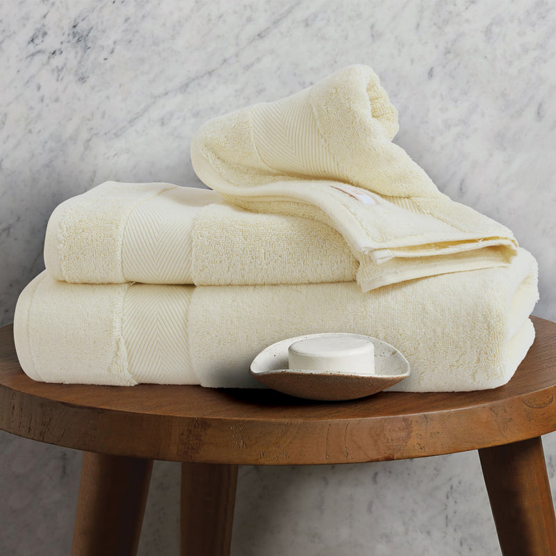 Silk Luxurious Bath Towel Vannila - Made in Turkey