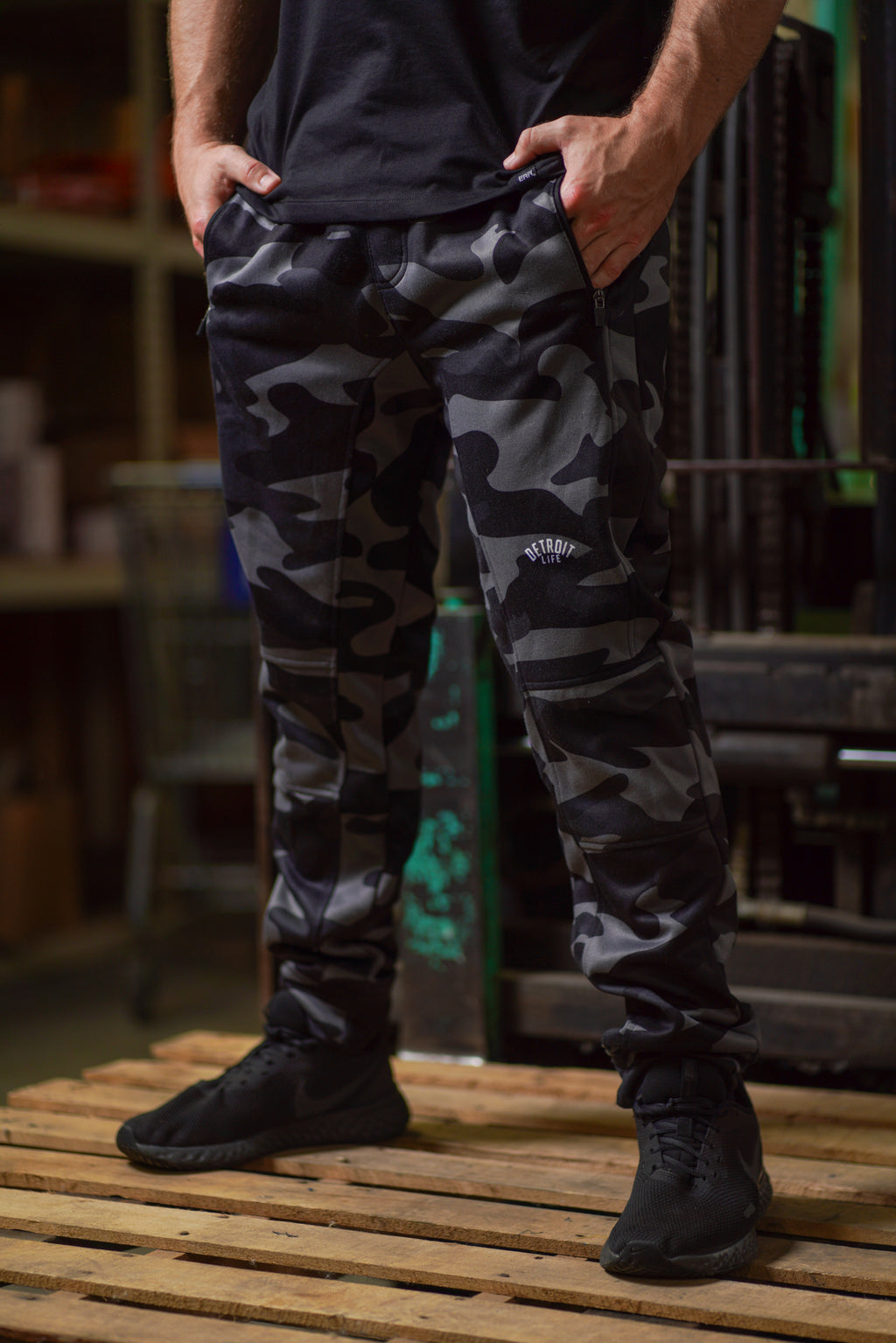 DETROIT LIFE POLYESTER BLACK CAMO JOGGERS