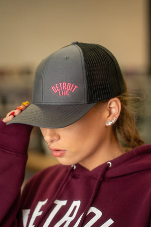 DETROIT LIFE TRUCKER HAT