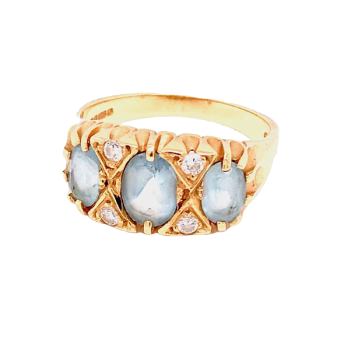 An 18 carat gold aquamarine and diamond ring