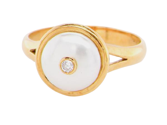 A Mabé pearl dress ring