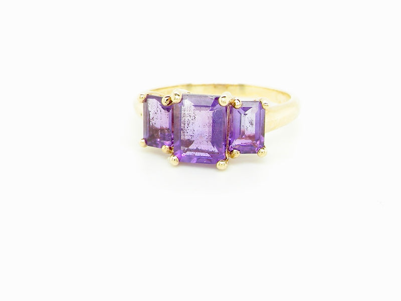 A 9 carat gold amethyst dress ring