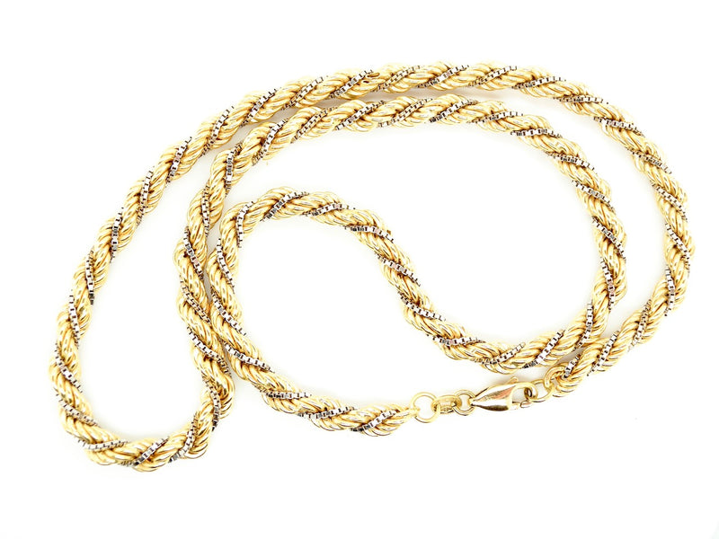 A double feature rope and box link neck chain