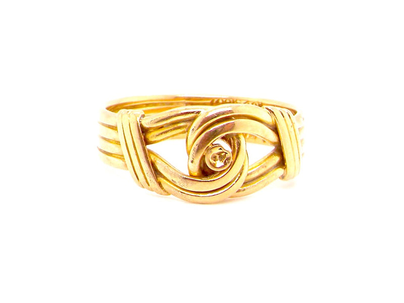 An 18 carat gold Victorian ring