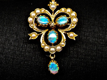 A gold opal and pearl brooch/pendant
