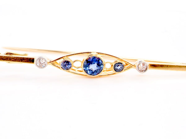 An Edwardian sapphire & diamond bar brooch