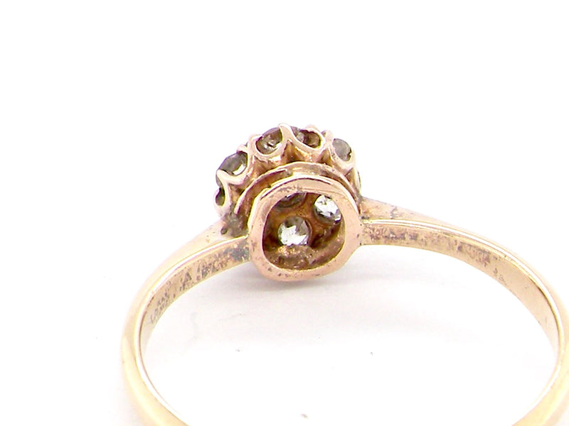 A pretty early 20th century diamond cluster ring