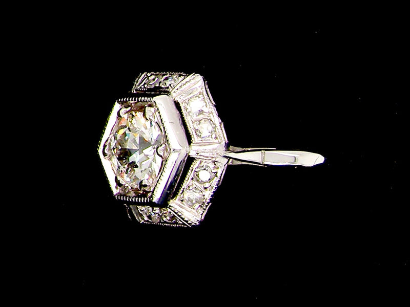 A fine Art Deco diamond cluster ring