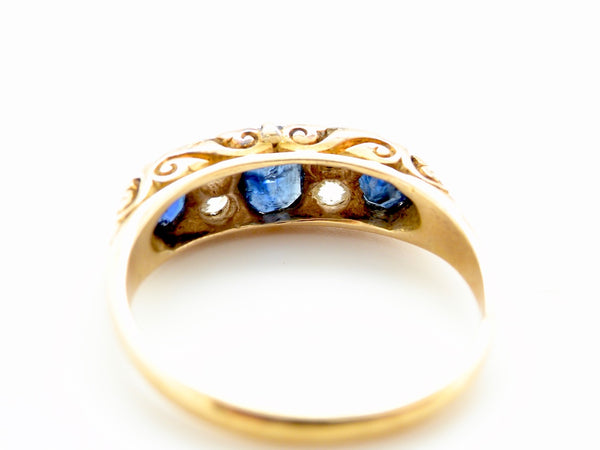 A late Victorian sapphire and diamond ring *RESERVED*