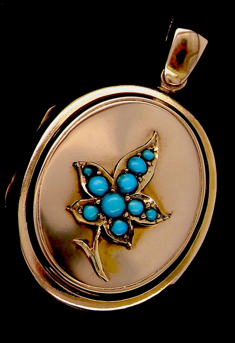A vintage turquoise set locket