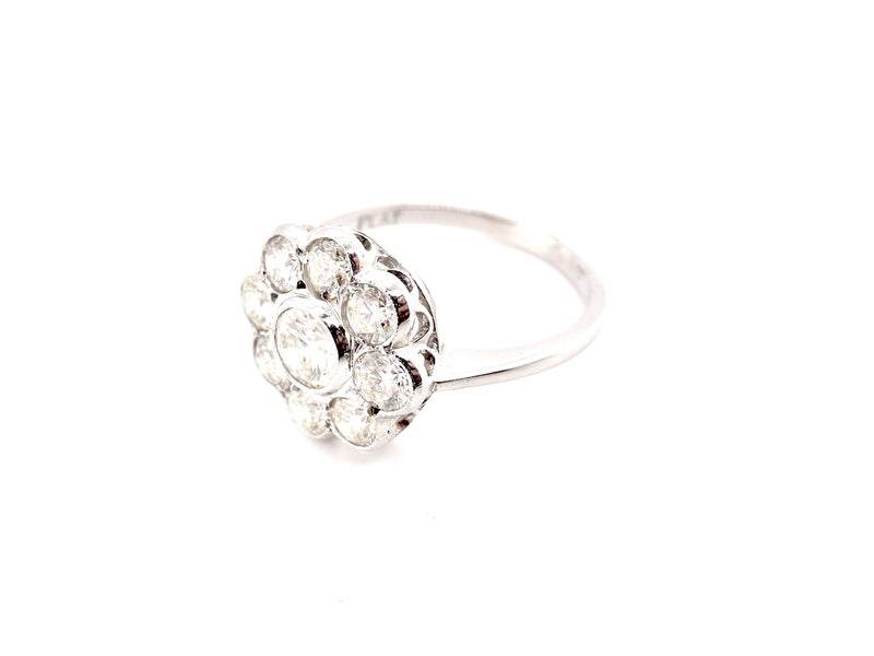 A lovely diamond cluster ring 1.8 carats