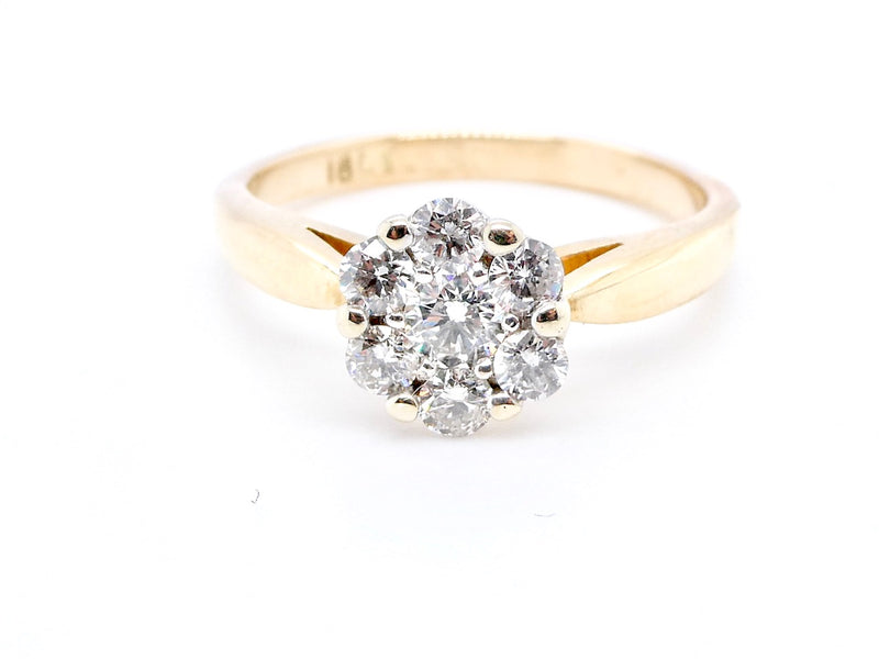 A pretty diamond cluster ring 0.40 carats