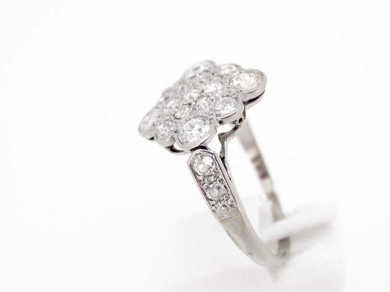 A  vintage diamond cluster ring