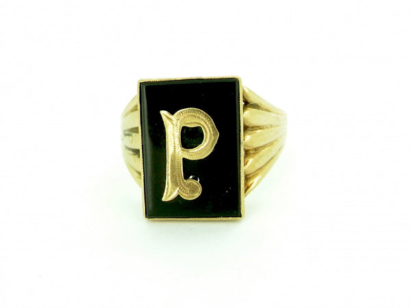A 9 carat gold P initial vintage ring