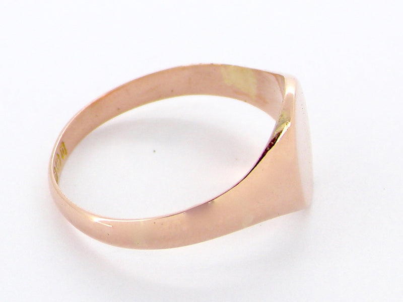 A plain rose gold unisex signet ring
