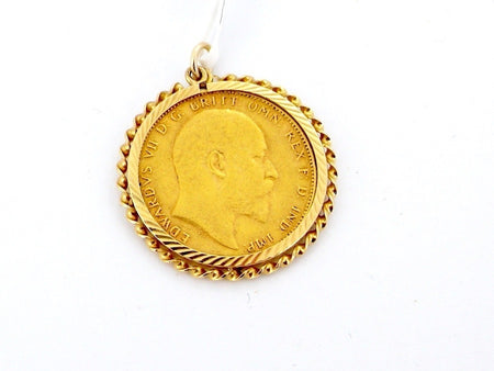 A 1903 full sovereign pendant