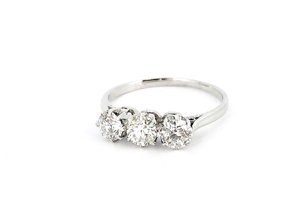 A fine vintage three stone diamond ring 0.95 carats