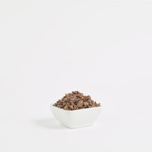 Load image into Gallery viewer, Extra dark chocolate flakes | 72% | Single Origin - Peru