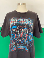 Vintage Metallica Tee-shirt adorned by Jen Wonders