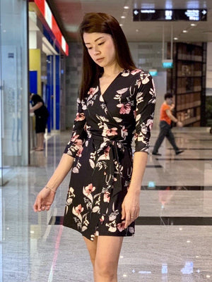 WP4821 - Dress Dark Florals Wrap