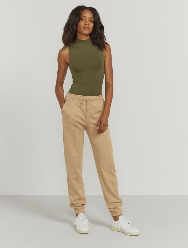 Women's Organic cotton boy-fit camel sweatpants