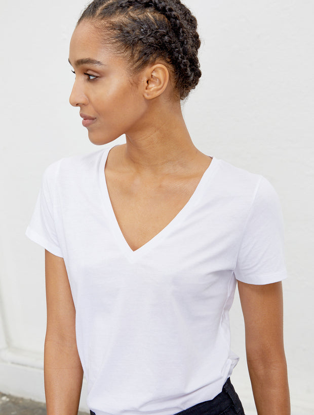 Women's Organic cotton classic fit V neck white T shirt