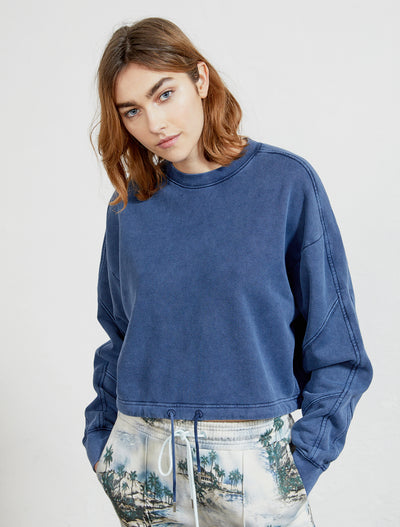 Organic cotton garment-dyed women's sweatshirt